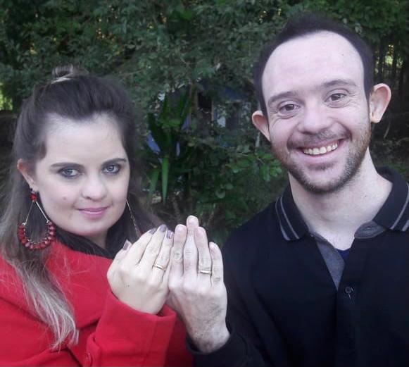 No Dia dos Namorados: artigo trata de relacionamento entre pessoas com deficiência intelectual — Canal Autismo / Revista Autismo