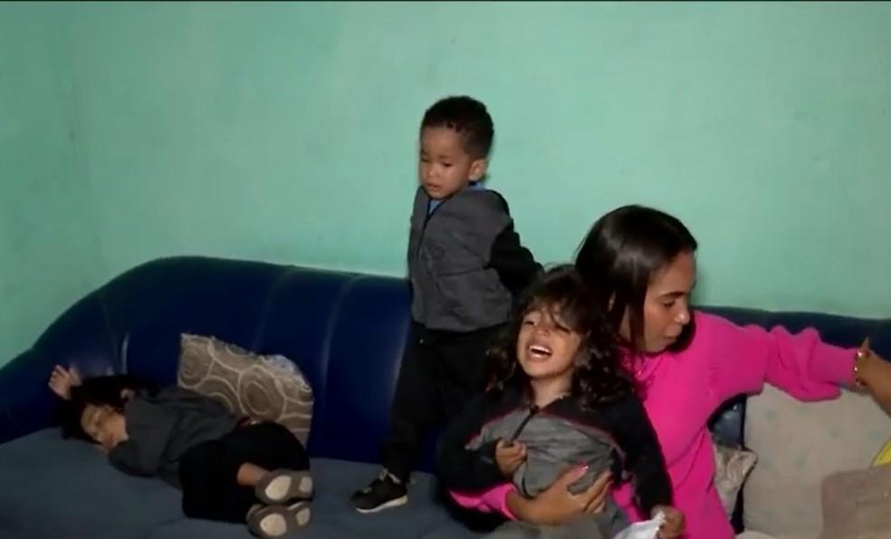Mãe de trigêmeos autistas busca tratamento na Bahia — Canal Autismo / Revista Autismo